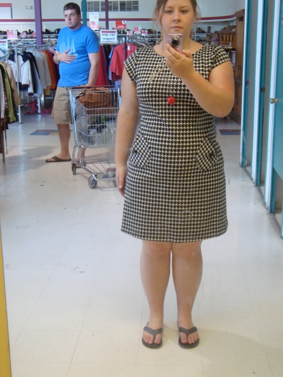 Adorable Houndstooth dress SIZE 13!!!! Cant wait to wear it with tights and mary janes in the fall! And look at those adorable pockets!